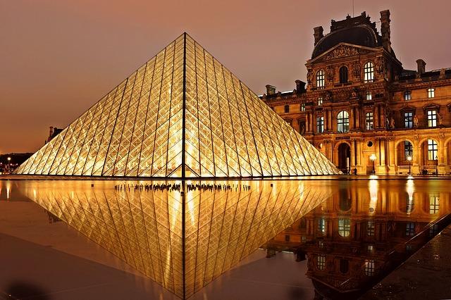 Paris le Louvre